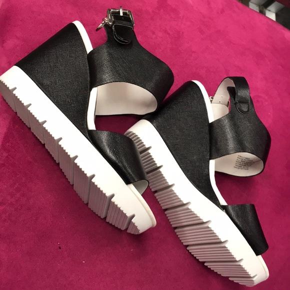 Juicy Couture Blackwhite Lug Sole Wedge